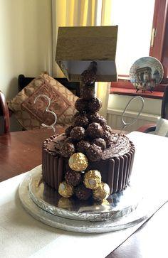 Ferrero rocher anti gravity cake Anti Gravity Cake, Gravity Defying Cake, Cake Decorating, Decorating Ideas, Balloon Cake, Candy Cakes, Chocolate Sweets, Ferrero Rocher, Occasion Cakes