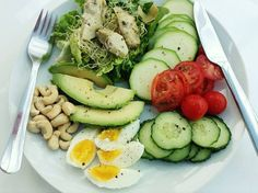 Lettuce, Good4U alfalfa & sango radish shoots, artichoke hearts (from jar in oil), tomatoes, avocado, cashew nuts, cucumber, courgette, boiled egg and a drizzle of walnut oil. (from Katherine) Walnut Oil, Artichoke Hearts, Boiled Eggs, Lettuce, Cobb Salad, Tomatoes, Cucumber, Competition, Avocado