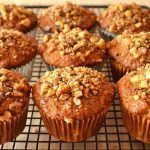 Easy banana and walnut muffins recipe - Recipes tips Muffin Recipes, Baby Food Recipes, My Recipes, Baking Recipes, Dessert Recipes, Favorite Recipes, Banana Nut Muffins, Sem Lactose, Sugar Free Desserts