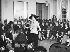 Sixty-nine years ago to the day Christian Dior stunned the world and fashion when he presented his first haute couture collection – the lines Corolle Mary Quant, Dior Haute Couture, Christian Dior, Elle Fanning, Belle Epoque, New Look Dior, Raf Simons, Pierre Cardin, Fifties Fashion