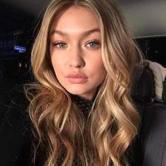Best blonde hair color: Gigi Hadid – click ahead for more celebrity hair and makeup superlatives Loading. Best blonde hair color: Gigi Hadid – click ahead for more celebrity hair and makeup superlatives Golden Blonde Hair, Blonde Hair Looks, Brown Blonde Hair, Makeup For Blonde Hair, Blonde Hair For Pale Skin, Golden Hair Color, Hair Color Highlights, Blonde Color, Honey Highlights