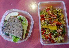 hmmm - Simones Essen für unterwegs - Sauerteigbrot mit dem allgegenwärtigen Wilmersburger und ein leckerer Weizen-Paprika-Salat