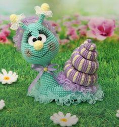 Snail – Free amigurumi pattern in English, Italian and French – Carmen Crochet Crochet Turtle Pattern, Crochet Snail, Crochet Fairy, Crochet Amigurumi Free Patterns, Crochet Animal Patterns, Stuffed Animal Patterns, Crochet Dolls, Crochet For Kids, Cute Crochet