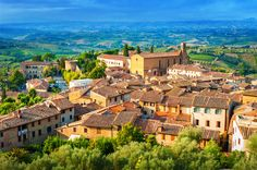 List of best small towns to visit in Italy : San Gimignano Cool Places To Visit, Great Places, Seaside Village, Beaux Villages, Holiday Places, Medieval Town, Tuscany Italy, Florence Italy, Positano