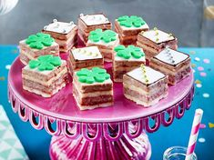 Silvester Petit Fours - Picturre Design Sweet Bakery, Snacks Für Party, Asian Desserts, Wordpress, Birthday Cake, Sweets, Cooking, Blog, Muffins