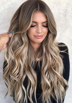 hair Cool Toned Brown To Blonde Balayage Ashy Balayage vs ombre, in case you hair trends and are curious about the hair routine of the most popular celebrities, you have probably heard of these treatments. But what is the difference Let us figure it out. Brunette Hair With Highlights, Dark Blonde Hair Color, Brown Blonde Hair, Balayage Hair Blonde, Brown Hair Colors, Balayage Vs Highlights, Cool Toned Blonde Hair, Bronde Haircolor, Blonde Hair For Brunettes