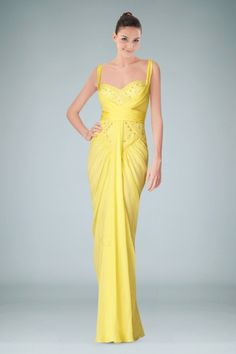 Enticing Sweetheart Neckline Sheath Evening Gown with Alluring V-back Design and Pleats