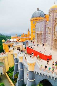 15 Things You Need To Know About Visiting Sintra In Portugal | Via Hand Luggage Only Blog | 7/07/2016 Sintra is a Portuguese gem! It's easily one of the most beautiful places you can (and should) visit in all of Portugal and certainly packs some punch when it comes to amazing sights to see. A mere glance at photos of Sintra will leave you convinced to visit this beautiful resort town so, seeing as we've already covered the reasons why you need to visit Sintra here... #Portugal