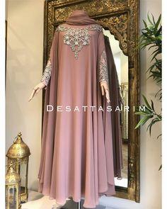 Modest Fashion Hijab, Hijab Style Dress, Modern Hijab Fashion, Abaya Fashion, Fashion Dresses, Plus Dresses, Modest Dresses, Mode Abaya, Muslim Women
