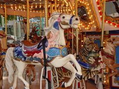 carousels of the world - Bing Images My Horse, Horse Tack, Merry Go Round Carousel, Best Amusement Parks, Horse Wallpaper, Circle Game, Painted Pony, Old Shows, Carousel Horses