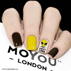 How to Get a Too Cool for School Nail Manicure Cute Nails, Pretty Nails, My Nails, Do It Yourself Nails, How To Do Nails, Checkered Nails, Diy Acrylic Nails, Minimalist Nails, Yellow Nails