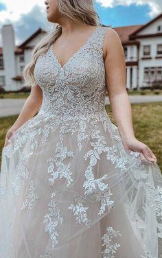 Romantic Lace Plus Size Wedding Dress with Long Sleeves - Stella York Wedding Dresses Plus Size Wedding Gowns, Plus Size Gowns, Wedding Dresses With Straps, Designer Wedding Dresses, Blush Bridal, Bridal Gowns, Ball Dresses, Ball Gowns, Essence Of Australia Wedding Dress
