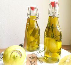Zitronen-Öl ist herrlich erfrischend und passt zu jedem Salat. Gemeinsam mit meinem Granatapfel-Essig sind sie ein unschlagbares Duo!
