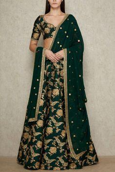 20 Ideas Sabyasachi Bridal Couture Lehenga Choli For 2019 Sabyasachi Bridal Lehenga Price, Brocade Lehenga, Sabyasachi Sarees, Banarasi Lehenga, Green Lehenga, Lehenga Wedding, Sharara, Indian Sarees, Anarkali