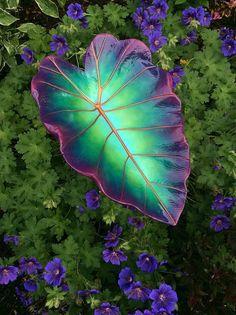Bird feeder cement leaf in sea green, violet and magenta