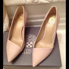 Vince Camuto asymmetrical pumps in cashmere snake NWB in cashmere cream nubuck snake Vince Camuto Shoes Heels