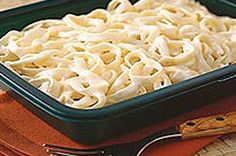 PHILADELPHIA Cream Cheese takes all the work out of homemade Alfredo sauce.  A steaming bowl of pasta and Alfredo sauce is only 20 minutes away with our creamy PHILLY Alfredo recipe.