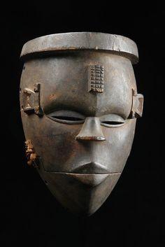 "Mask with hinged jaw ""elu"", Nigeria, Ogoni"