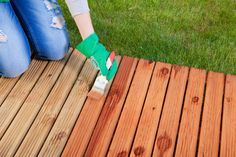 Home Design, Decorating and Remodeling Ideas, Landscaping, Kitchen and Bathroom Design Easy Diy Crafts, Diy Craft Projects, Simple Projects, Diy Pool Fence, Piscina Diy, How To Waterproof Wood, Cedar Deck, Deck Posts, Wood