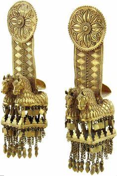Temple Hangers (pair) 4 th century B.C. Sadzeguri, Akhalgori treasure