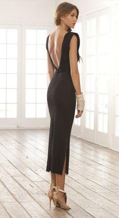 Classic black dress very pretty Cute Fashion, Look Fashion, Open Back Black Dress, Zara Black Dress, Dress Skirt, Dress Up, Dress Cake, Dress Shoes, Classic Black Dress