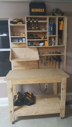 Garage tool storage on French cleat system #woodworkingprojects #woodworkingbench #WoodworkingPlansWorkbench