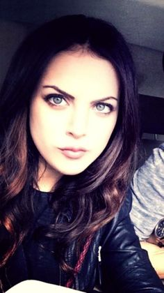 Elizabeth Gillies as Jayne Alvers