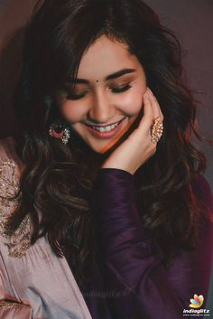 Tamil Actress Raashi Khanna Latest Photoshoot Stills (Hd). Beautiful Girl Indian, Most Beautiful Indian Actress, Beautiful Birds, South Actress, South Indian Actress, Indian Actress Photos, Indian Actresses, Girls Dpz, Indian Models