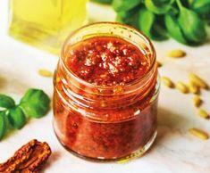 Pesto ze sušených rajčat s kešu ořechy   Recepty Albert Chutney, Caviar, Salsa, Fish, Meat, Ethnic Recipes, Smoothie, Pisces, Smoothies