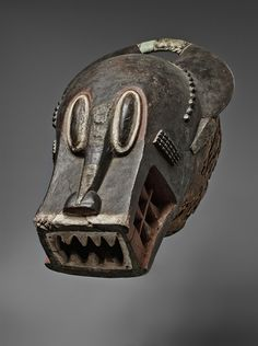 BAULE BUFFALO MASK Bo nun amuin, with large oval eyes