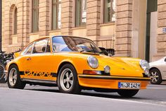 Golden egg  Starring: Porsche 911 Carrera RS 2.7