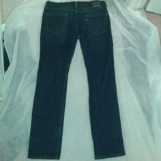 I just added this to my closet on Poshmark: Levis mens jeans. Price: $14 Size: 33