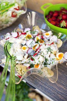 Juhannuksen perunasalaatti - Kotiliesi.fi Finland Food, Roasted Summer Vegetables, Food Network Recipes, Cooking Recipes, Avocado Pesto Pasta, K Food, Food Network Canada, Scandinavian Food, Salad Recipes