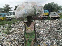 Kinshasa (http://globalrec.org/wp-content/uploads/2013/02/congo-recuperateurs.jpg)