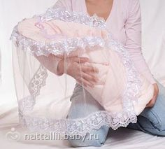 Do-it-yourself-Umschlag - Suche in Goo . Idee Cadeau Baby Shower, Dresses Kids Girl, Kids Outfits, Baby Knitting, Crochet Baby, Baby Sheets, Lace Booties, Baby Shower Dresses, Baby Crafts