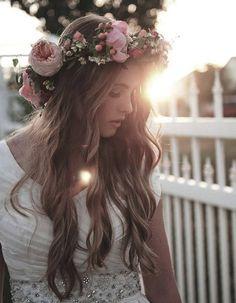 Idée coupe cheveux ondulés automne-hiver 2016 - Cheveux ondulés : de jolies coiffures pour un volume maîtrisé - Elle
