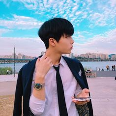 helping those rp'ers who needs to find a ulzzang to port ; Korean Boys Ulzzang, Cute Korean Boys, Ulzzang Couple, Ulzzang Boy, Korean Men, Asian Boys, Korean Girl, Korea Boy, Outfit Look