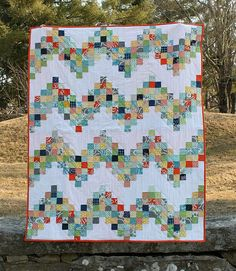 Good Day Sunshine: A Scrappy Quilt Tutorial | Sew Mama Sew