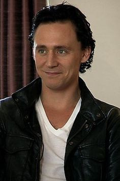 """""""Maybe I'm old fashioned, but to respect the woman you love should be a priority"""" -Tom freaking Hiddleston"""