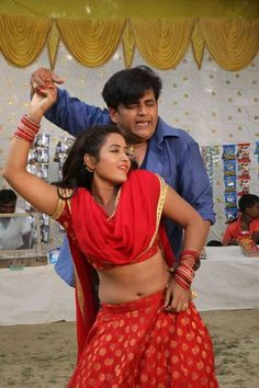Bairi kangana movie still kajal and ravi kishan 11 Romantic Couple Images, Couples Images, Romantic Couples, Couple Photos, Ravi Kishan, Indian Women Painting, Indian Navel, Bhojpuri Actress, Snake Girl