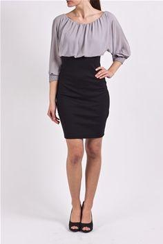 Kjole med blusetopp over «pencil-skirt». Overdelen har elastikk i hals og erme, og stoffet er mykt med vevd overflate. Skjørtet er i stødig viskose med elastikk. Work Fashion, Dress Me Up, Skirts, Shopping, Dresses, Style, Gowns, Skirt, Dress
