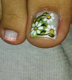 Different outlook on Pedicure Toe Nail Color, Toe Nail Art, Nail Colors, Perfect Nails, Gorgeous Nails, Summer Toe Nails, Pedicure Nail Art, Flower Nail Art, Nail Envy
