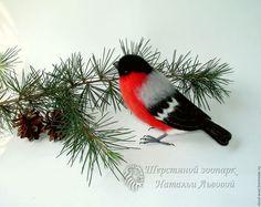 Игрушки животные, ручной работы. Ярмарка Мастеров - ручная работа. Купить Птица Снегирь,  интерьерная птица снегирь валяный, игрушка войлочная. Handmade.