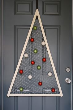 Chicken Wire Christmas Tree.  I did this & it turned out great!! I cut myself up on the chicken wire but it couldn't be avoided. Still totally worth it.