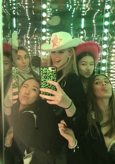 """𝐛𝐞𝐞𝐥 on Twitter: """"girl groups >>>… """" Cute Friend Pictures, Best Friend Photos, Best Friend Goals, Friend Pics, I Need Friends, Cute Friends, Best Friends, The Last Summer, Gal Pal"""