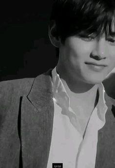 Jungkook Abs, Kim Taehyung Funny, Foto Jungkook, V Taehyung, Foto Bts, V Video, Foto E Video, Taehyung Photoshoot, Bts Concept Photo