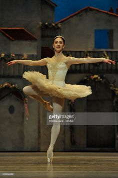 News Photo : Marianela Nunez as Kitri in the Royal Ballet's...
