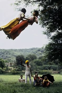 The Power of Two, India stevenmccurry.wordpress.com   via @outbounding