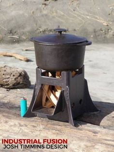 The Castle, midi sized cooker wood stove Bushcraft Camping, Camping Survival, Survival Guide, Fire Cooking, Outdoor Cooking, Metal Projects, Welding Projects, Parrilla Exterior, Materiel Camping