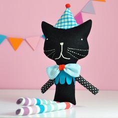 Party cat - via DTLL.